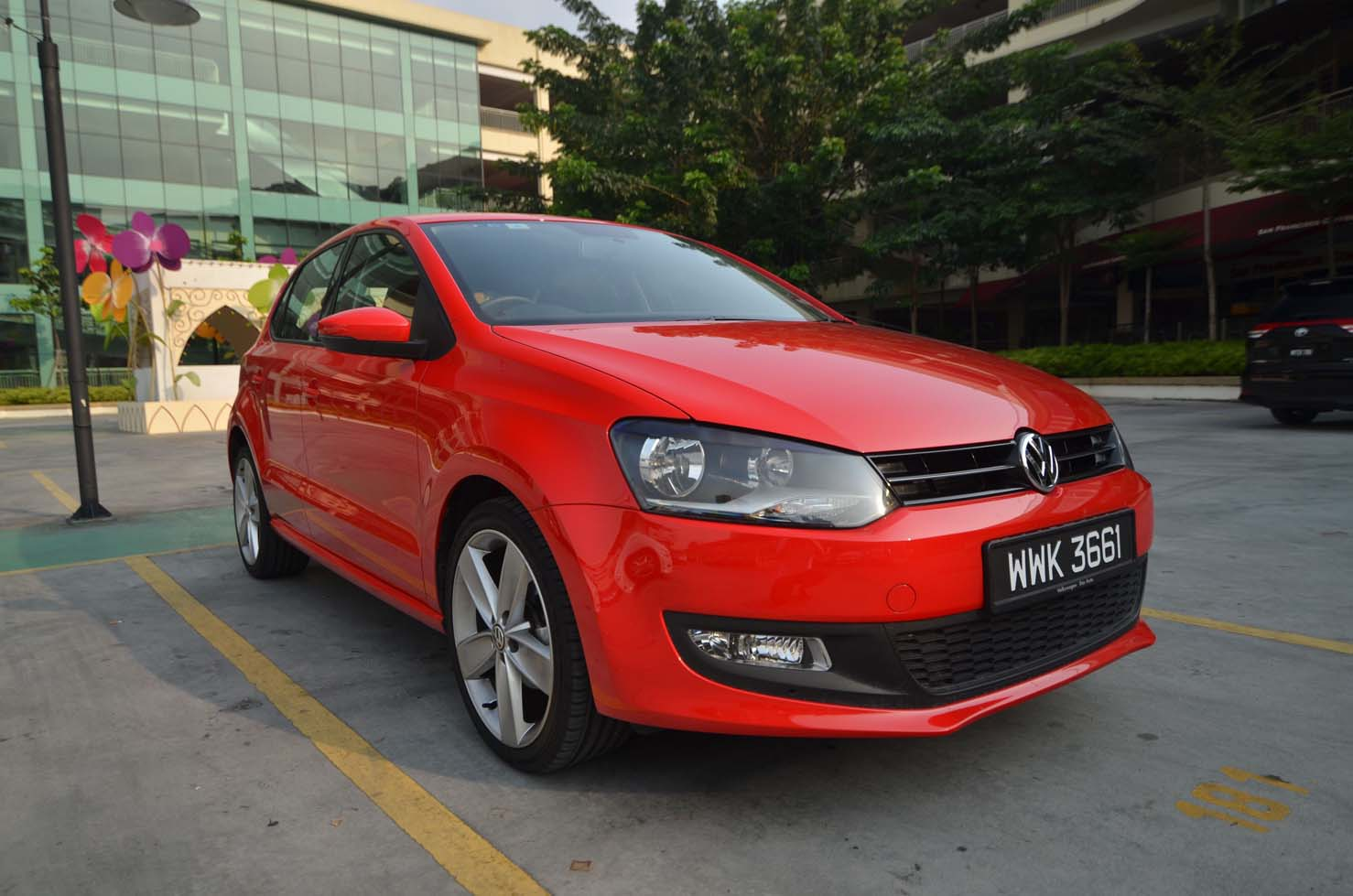 the volkswagen polo sport are you polo enough kensomuse. Black Bedroom Furniture Sets. Home Design Ideas